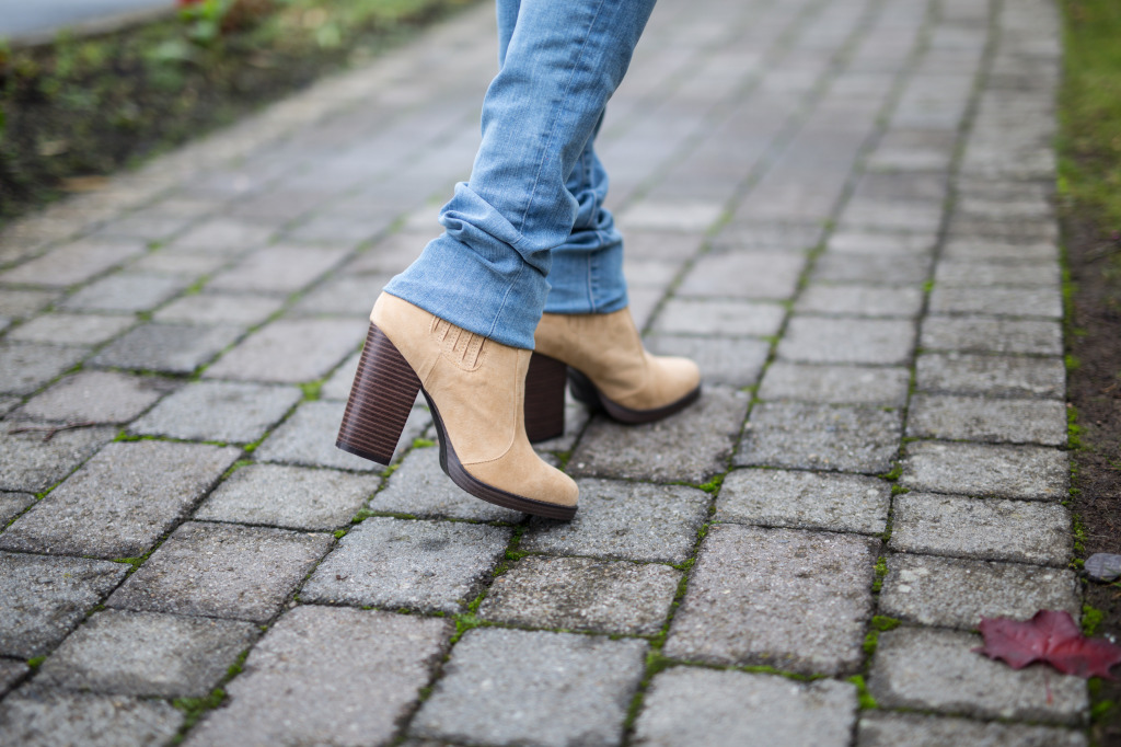 tan_ankle_boots
