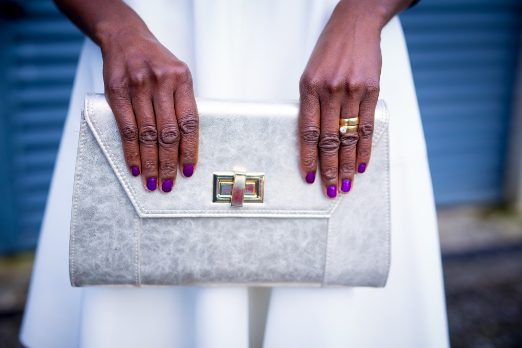 OVER SIZED CLUTCH