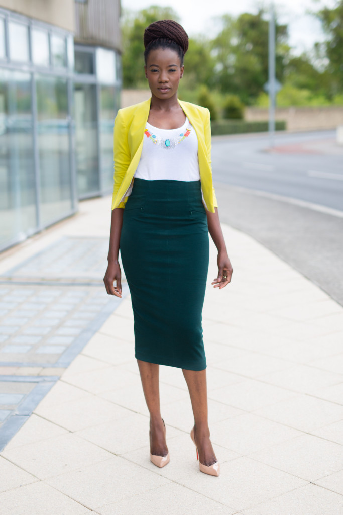 CROPPED BLAZER & FITTED SKIRT