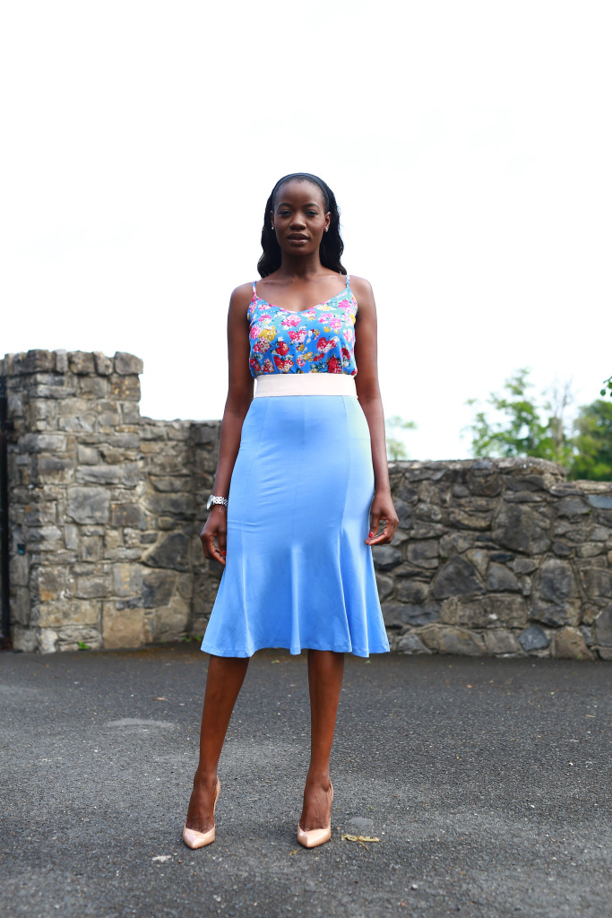 FITTED_AND_FLARED_SKIRT