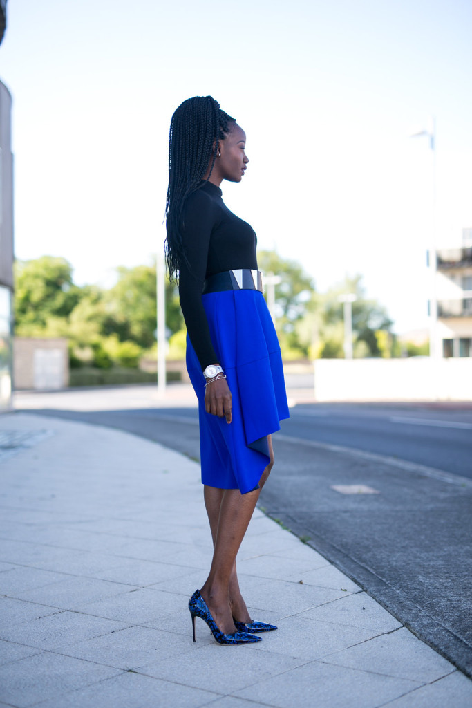COS_ASYMMETRIC HEM SKIRT