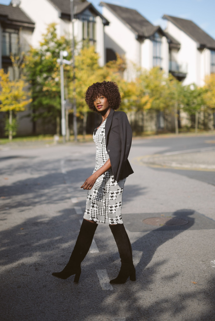 HOUNDSTOOTH_DRESS_AND_OVER_THE_KNEE_BOOTS