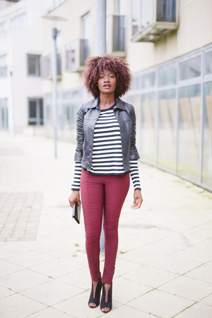 Baggy_Striped_blouse_and_fitted_pants