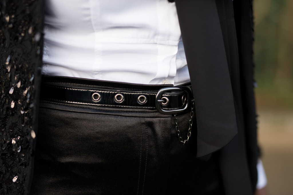 Full_circle_patent_leather_belt