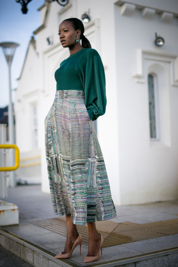 BELL_SLEEVE_BLOUSE_AND_MIDI_SKIRT