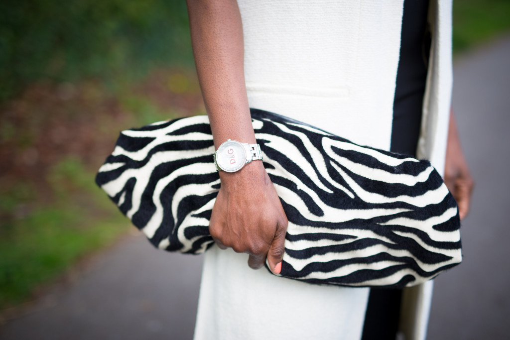 Black_and_white_clutch