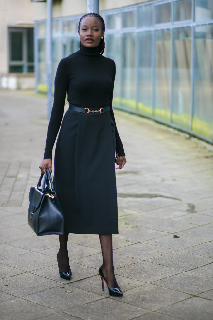 SINGLE PLEAT SKIRT & HIGH NECK BLOUSE IMAGE